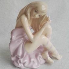 Ballerina beeldje gemaakt van porselein