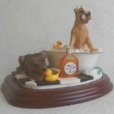 Beeldje honden in bad