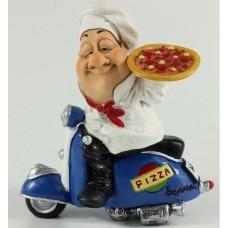 Beeldje pizzakoerier op blauwe vespa Warren Stratford