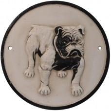 Bulldog op een rond gietijzer bordje 32sc