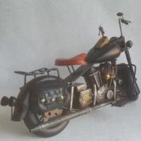 Decoratieve zwart blikken motor - blik