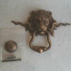 Gietijzeren deurklopper afbeelding leeuwenkop - leeuw - slang - gietijzer