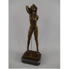 MadDeco - beeldje - dame - lederen- outfit - hoge - hakken - Brons