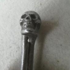 MadDeco - metalen - notenkraker - schedel - doodshoofd