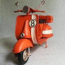 Oranje Vespa scooter blik - vintage