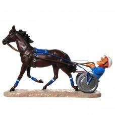 Pikeur met sulky - paard - beeldje – sport – funny sports – warren stratford – 30.5x12x20 cm