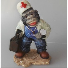Verpleger in gedaante van gorilla - polystone beeldje