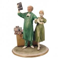 Chirurg beeldje van capodimonte porselein 616