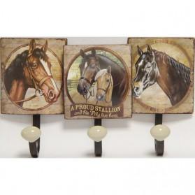 A proud stallion wandhaken met paarden 030hk