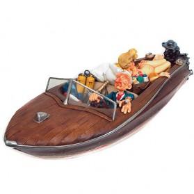 Speedboot met playboy beeldje van Forchino