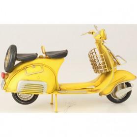 Gele Vespa scooter van blik 132lb