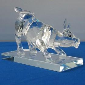 Kristallen beeldje van stier