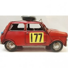 Rode Mini Cooper als blikken woondecoratie