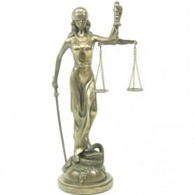 Bronskleurig beeldje van vrouwe justitia