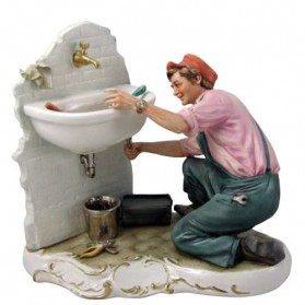 Loodgieter beeldje van capodimonte porselein 166